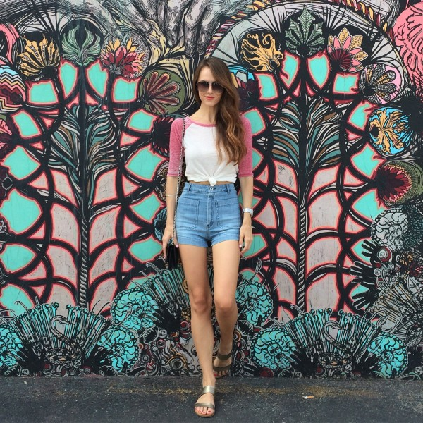 red and white raglan tshirt with denim, raglan with denim, danielle hastings, red white and blue outfit, wynwood street style, wynwood fashion, orlando fashion blogger, orlando style blogger, miami style blogger, miami fashion blogger