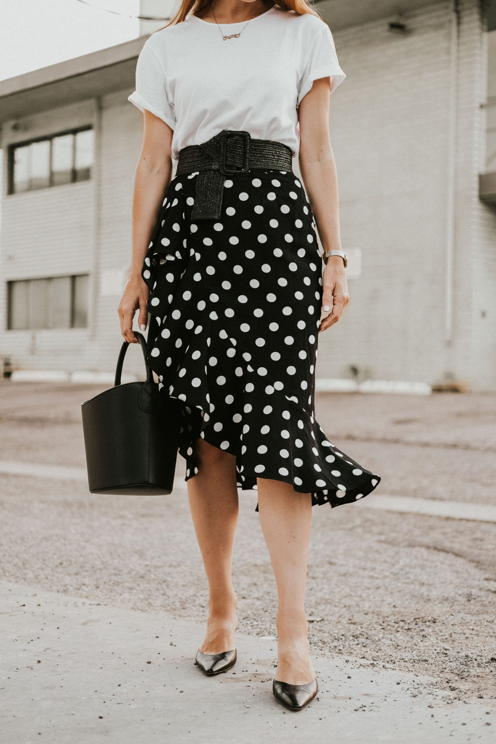 Black Polka dot midi skirt, polka dot midi skirt, how to style a polkadot skirt, polkadot midi skirt, polkadot midi skirt street style